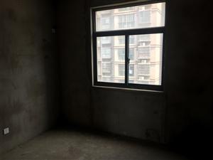 龙迪滨水城3室2厅1卫48万元