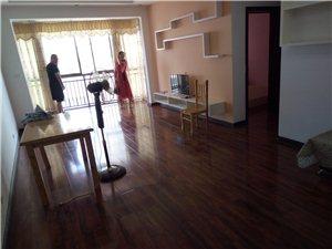 花灯广场3室2厅1卫16800元/月
