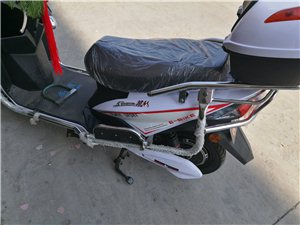 全新电动车,结婚媳妇那边陪送的,由于家里已经有一辆摩托车了,所以把这个低价卖掉,60V五块电瓶,真的...