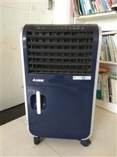 艾美特空调扇,CFH03-10,蒸发式冷风扇(带加热功能),蓝色,九成新,很实用的小家电。有意者联系...
