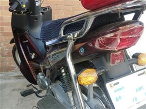 银钢摩托车 9.9成新,2018年4月12日买的。才4个多月!车模还没撕掉,行程2000公里,可随时...