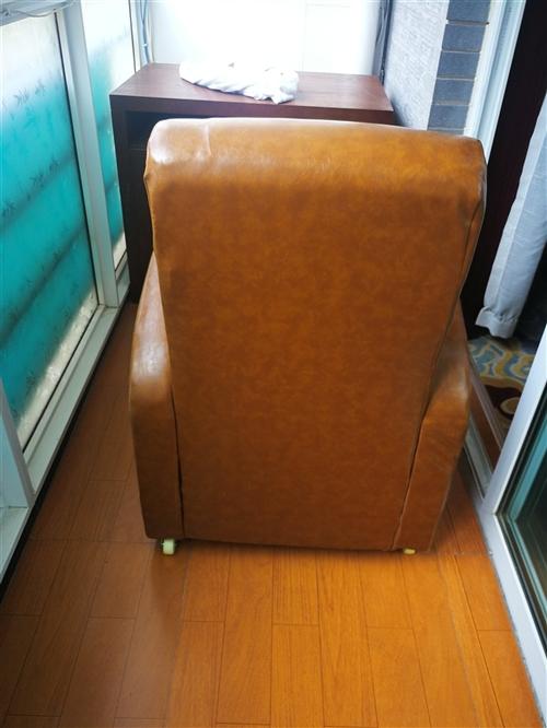 九成新休闲沙发。一共有十个,联系电话15838106722微信同