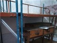 现出售学生上下床,自己焊的床结实,板铺厚实,一套300元,有15张,有意者请联系:182898412...