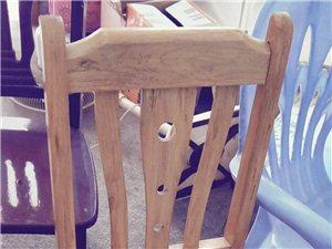 实木凳子40多张,一张30元9成新,全部要可以便宜一点,地点在大罗新村,自提,要的速度。138797...
