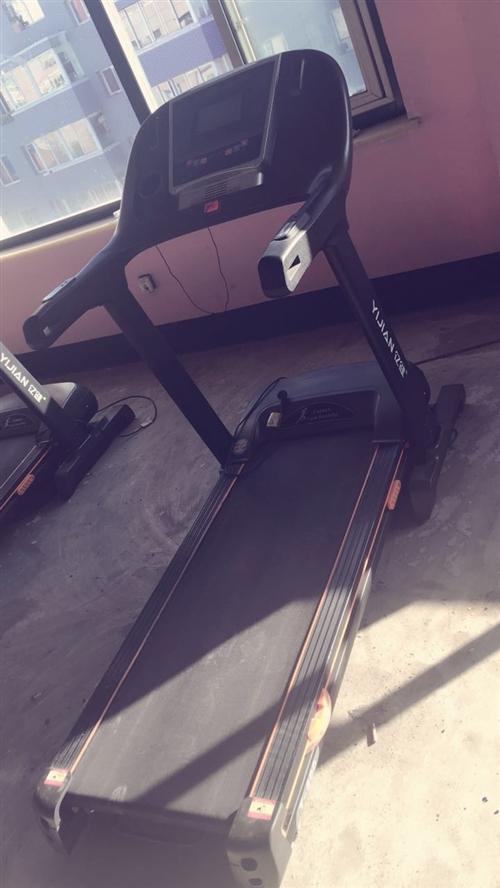 低价出售八九成新跑步机动感单车收腹机