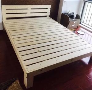全新双人实木床便宜甩卖