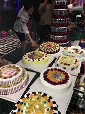 好消息好消息,鸿洲天玺虞美人蛋糕店,凡消费满168送30元烤鱼代金�灰环荩�满288的送50元代金�灰�