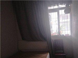 印合路3室2厅2卫,次卧400元/月
