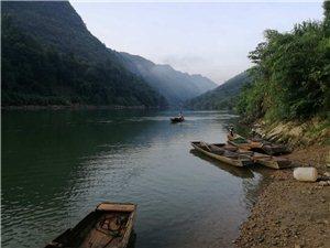 卡乌药谷江村清晨河边