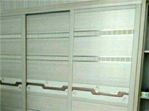 專業定制衣柜門