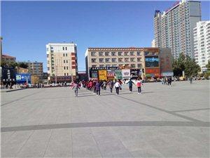 桦南世纪广场升旗