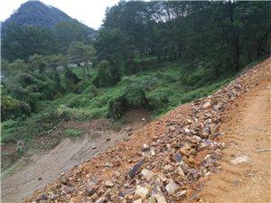 破圩的秋浦河埂,再次修建,愿你在汛期�r���,立�N�樽C!