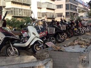 钱柜出售各种摩托车电动车