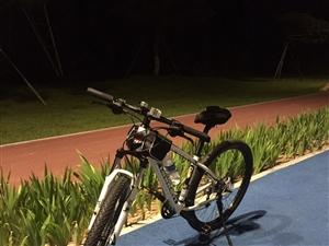 土拨鼠山地自行车27速,原价3100元,...