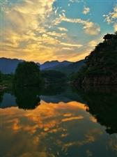 我要去新安,美丽青要山。