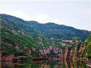 我要去新安,美��青要山。