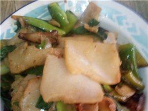 五龙的米豆腐,活灰菜