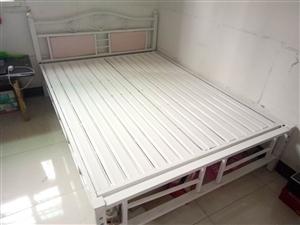 本人有1.5×2.0米钢构床出售,九成新...