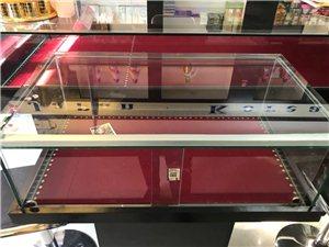 出售九成新饰品展示柜,一大一小,大的尺寸...