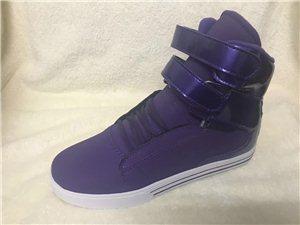 时尚运动板鞋,学生哥的最爱!