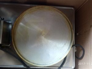 低价转让大电饼铛,直径32cm。