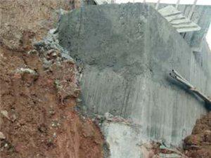 G316国道改造工程中严重存在偷土减料