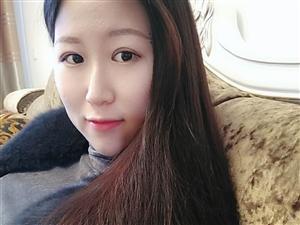 【美女秀�觥�r彩瑞