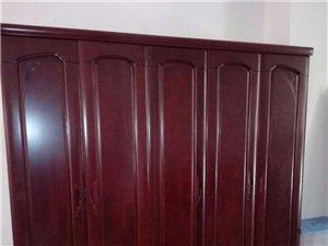 有卖的剩下的实木柜和斗柜低价处理13753378263