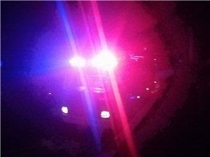 武胜金牛高速路下道口旁今晚9点35分左右一住户发生火灾