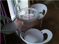 会客用茶几及4把休闲椅子,浅色,现代感十...