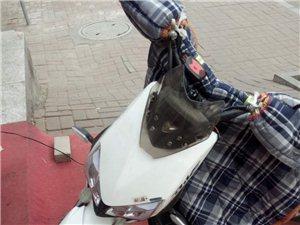 雅迪电瓶车,新科技,有一键启动,反助理减...