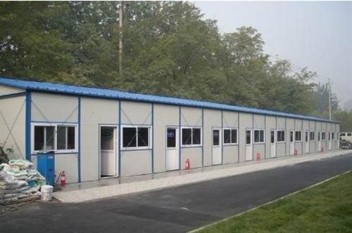 回收彩钢活动房。