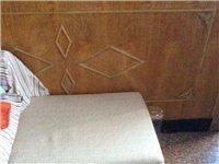 素色沙发,长两米,带贵妃榻。九成新。有意者请联系。无车,自取。