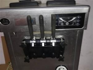 本人有一台东贝的冰激凌机器九成新,没有毛病也没有维修过,。因为店生意不太好想转卖出去,如有需要的朋友...