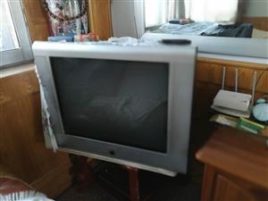 两个旧电视机,有要的来电~
