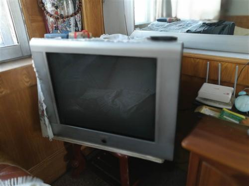 兩個舊電視機,有要的來電~
