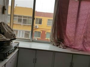 城南东区3室2厅1卫1300元/月
