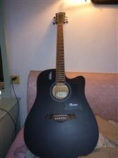 卢森吉他  因为现高三不能学习  所以卖出 有意者电话联系  价格好商量  还有一本学习吉他的书...