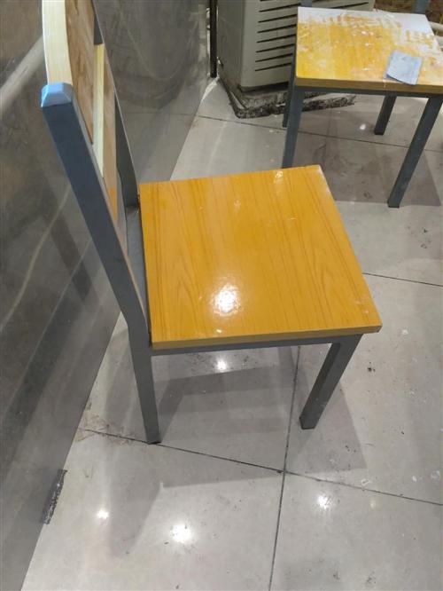 饭店用的椅子,40多个,厚壁的