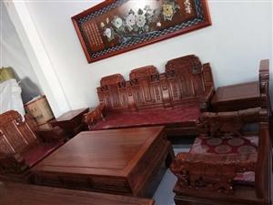 老榆木沙发13000送玉石雕刻画。15076609513