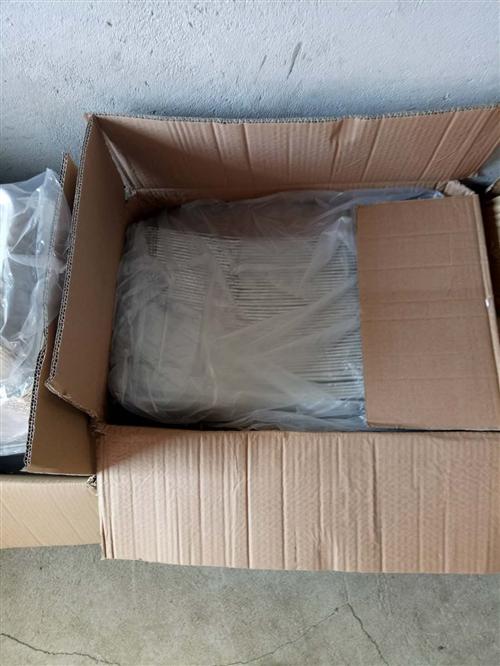 海鲜大咖盘(25*35)7个,(45*55)3个,九成新。 锡纸盒(25*35)100个,(45*...