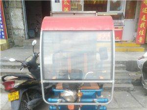洪濑鸡爪熟食电动三轮车一辆,八成新,发票手续俱全,广告卤等现成,上手即可开张。