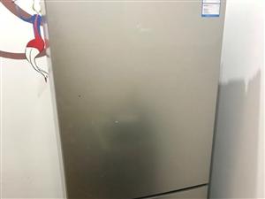 美的冰箱九成新,现在便宜处理。机不可失
