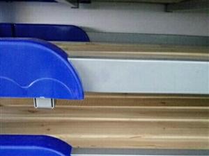 低价出售滑梯,桌椅,床,玩具,监控等幼儿园设备。