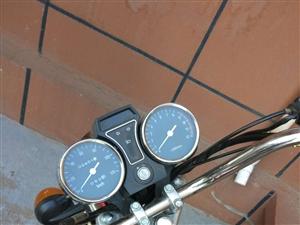 轻骑摩托便宜卖,95成新。