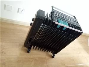 美的油汀暖气机,360转,用了两次,适合家有小宝宝的人用,烘烤衣服尿布啥的,加热个人觉得是比较慢的,...