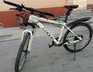 酷奇二手自行车 一年前买的,用的时间不长 因为我还在上学,住校,不怎么用得到 所以想转手 九成...