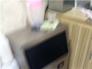 制冰机    进步式热水器    炸炉      七八成新   联系电话 18123436827