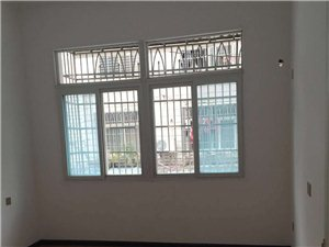 建材市场2室2厅1卫26.8万元