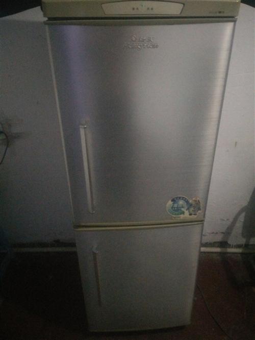 航天冰箱85新,在家闲置出售